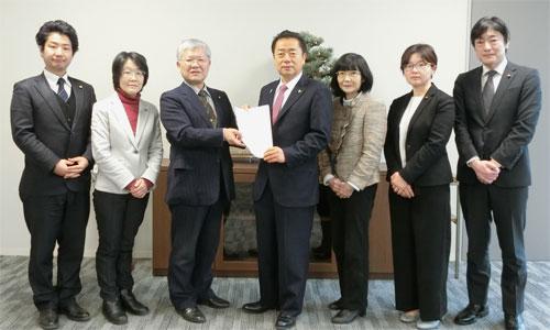 市長に、国保税、介護保険料の値上げ中止を要望する日本共産党新座市議団
