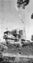 復旧作業中の熊本城本丸付近