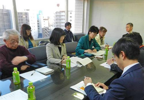 「朝霞台駅にエレベーター設置を」署名を提出して東武鉄道本社に要請