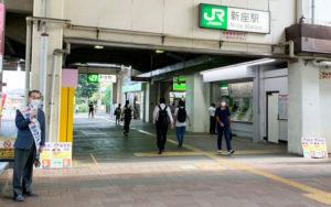 朝の駅立ち 朝賀英義氏が宣伝
